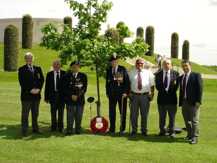 1 RWF Burma Veterans with other RWF Comrades at the National Arboritum.