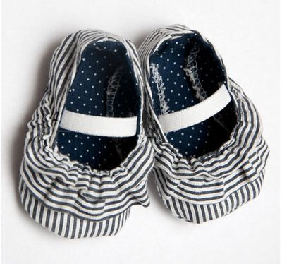 Mila baby shoe tutorial with pattern