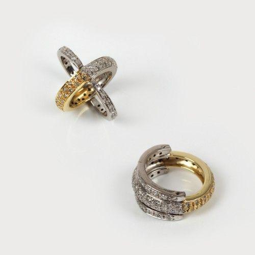 Inedit inel din aur alb și galben, decorat cu diamante aur alb și galben 18 k, 72 diamante cu tăietură briliant cca. 0,72 ct total, diamante culoare I-J, claritate I1, mărimea 48, 8,8 g Valoare estimativă: € 500 - 750