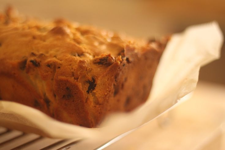 This simple sultana cake is the perfect thing to feed School kids. It can be whacked in the lunch box and then eaten after School...just the way I like it.