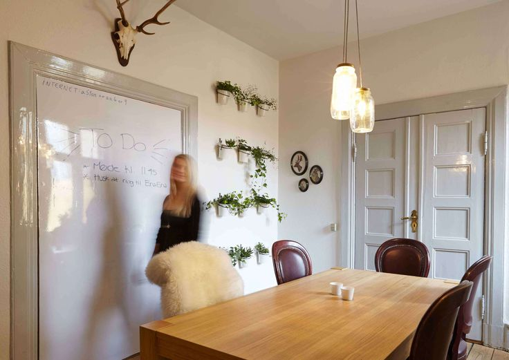 Interior design - meetingroom - wood theme, old stile - by EnaEna