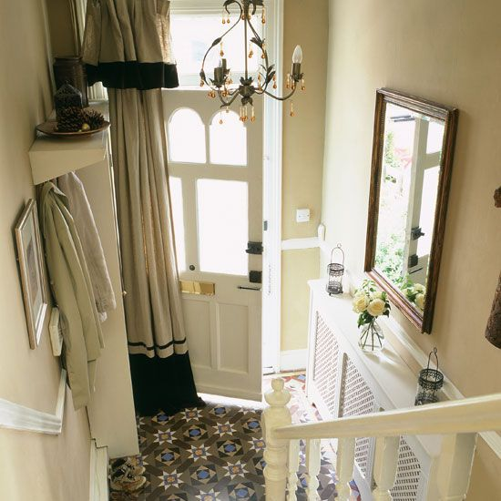 I'm keeping my hopes up for a place with original Victorian/Edwardian tiles in the hallway...just like this.
