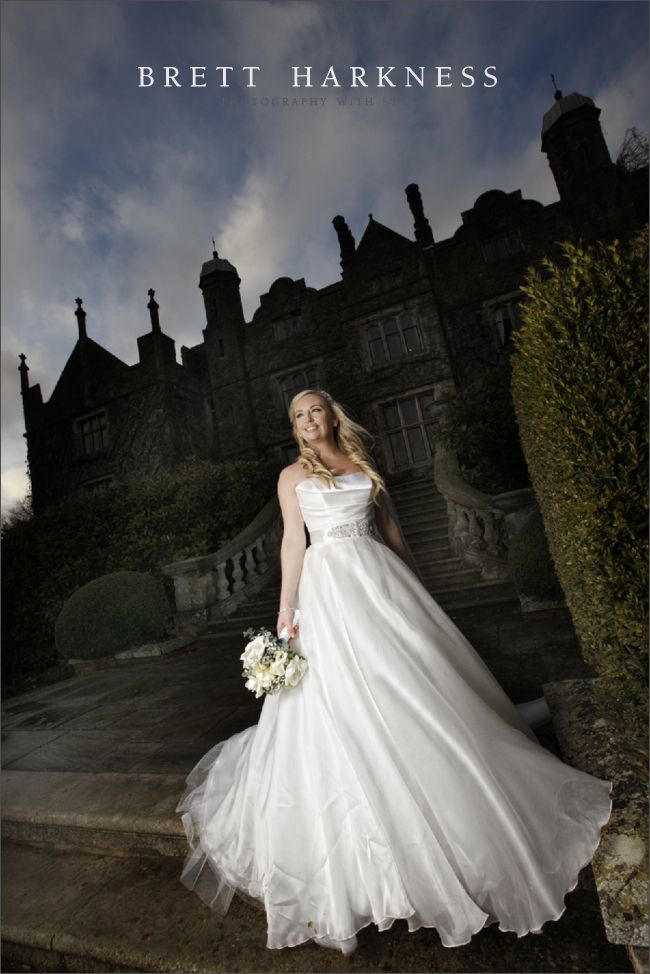 This ladies dress.... Oooo and venue!!!  brett_harkness_eastwell_manor_0013