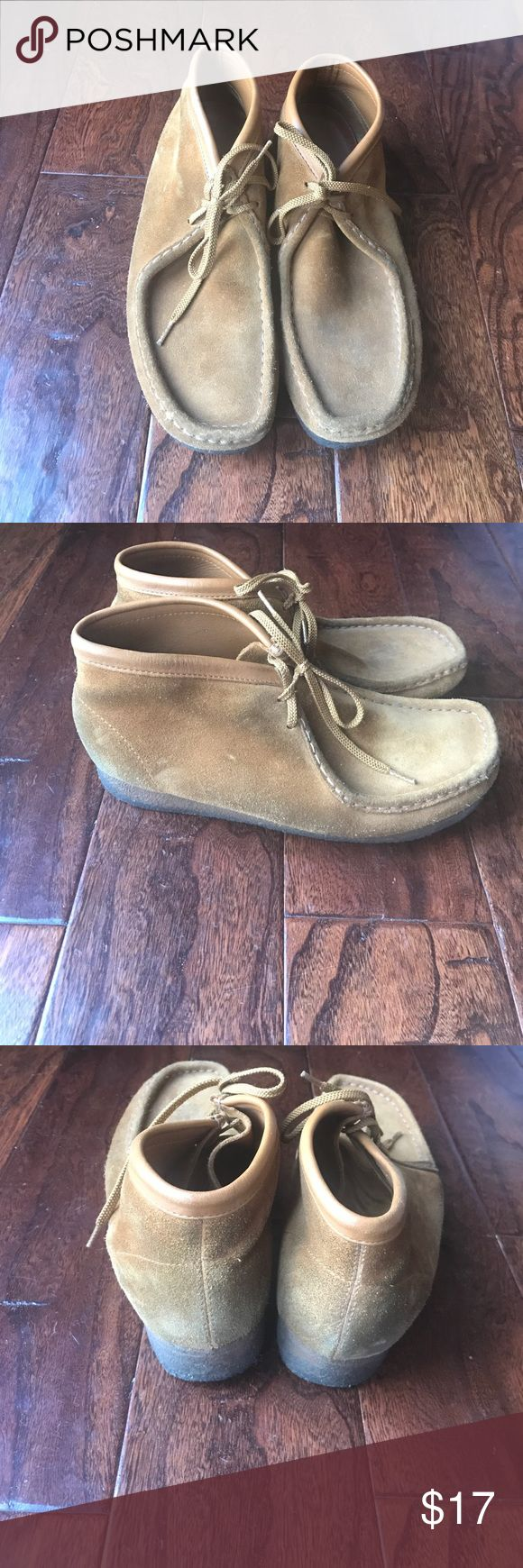 Men's clarks wallabees Men's light brown clarks size 9, does have some wear on them. Clarks Shoes Loafers & Slip-Ons