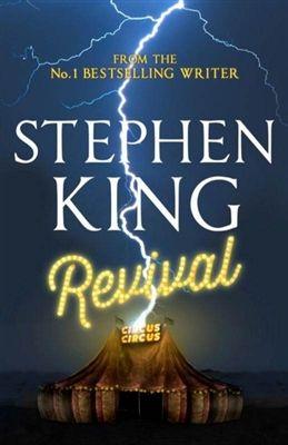 """El gran escritor Stephen King, conocido como el maestro del terror, vuelve al ataque con """"Revival"""" una novela que solo un seguidor acérrimo podría consumir, y es que aunque las críticas sobre la novela fueron en general buenas, asegurando que King retornaba con su siniestra y oscura pluma, no existe nada más alejado de la realidad, pues """"Revival"""" no trae consigo ningún resquicio que deje entrever al antiguo maestro del terror que en fuera en su época Stephen King."""