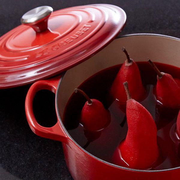 Poires au gingembre enivrées de vin rouge | Le Creuset