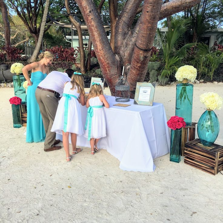Singing tables are very unique according to your taste. This is really cool for Coral Beach Weddings.
