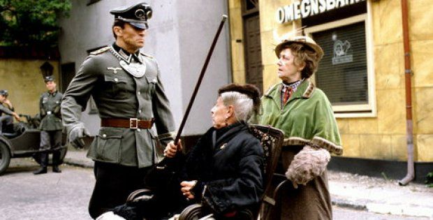Matador, scene, during 2 World War, Fru Möghe and Misse (her daughter) fighting the Germans, dear memories, tv series, photo.