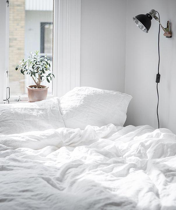 White living space - via Coco Lapine Design