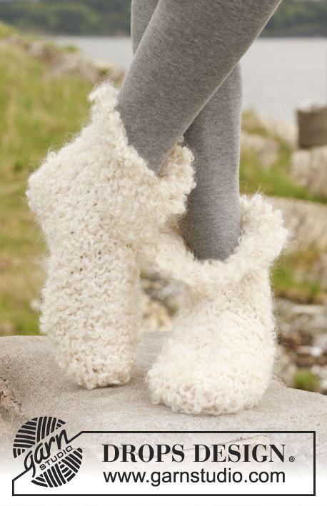 """Chaussons DROPS chaussons au point mousse et point de riz, en """"Eskimo"""" et """"Puddel""""."""