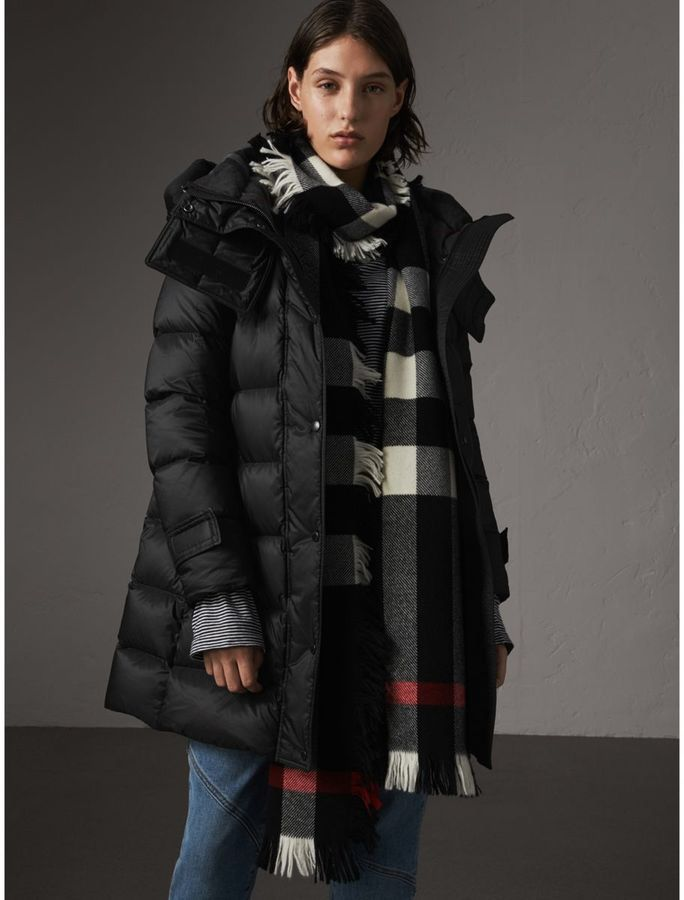 8a7fa8932eef Burberry Detachable Hooded Down-filled Puffer Coat  ad ...