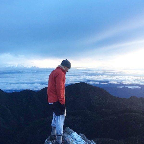 ESTE PODRIAS SER TU!! En la cima del Volcan Baru. Que te detiene? #volcanbaru ON THE TOP OF PANAMÁ we know you want a picture like this! Foto brutal de @olauc #wanderpanther #panama #thediscoverer #gadventures