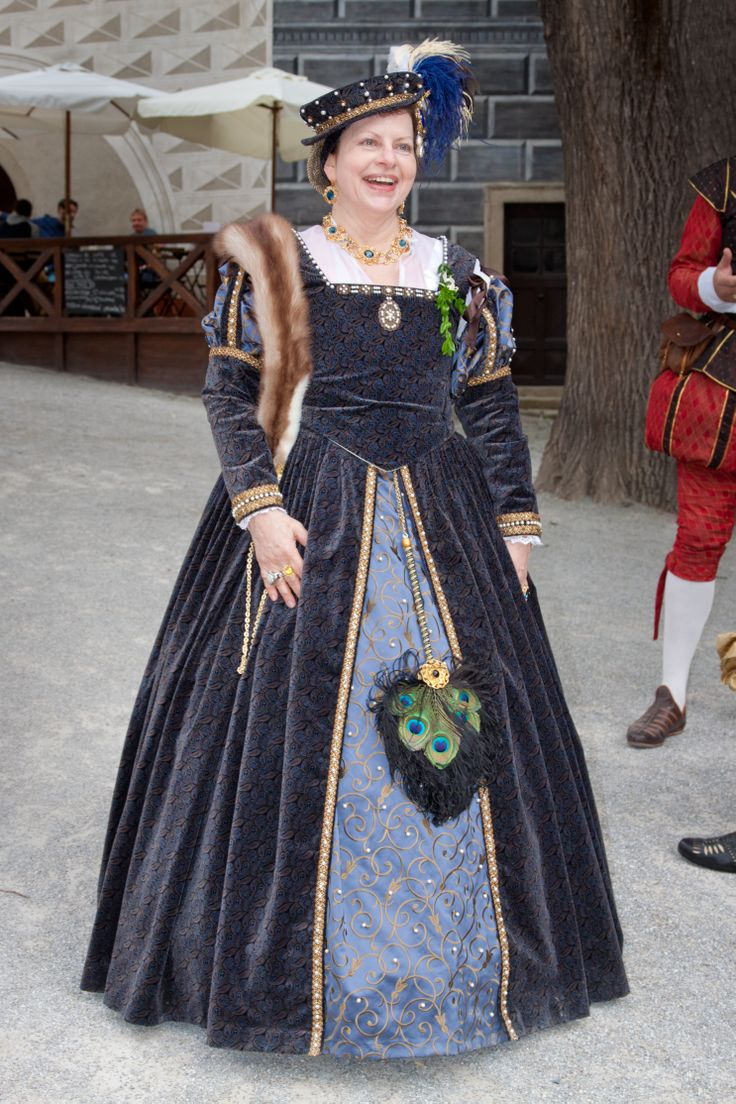 šaty inspirovány renesancí