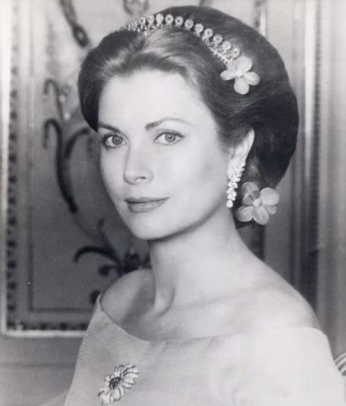 Princess Grace Kelly of Monaco wearing a lovely understated tiara.