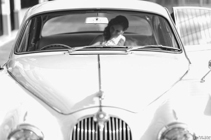 Gemma, la novia, preciosa foto que recuerda su llegada a la ceremonia. #bodas #valencia #wedding #photographer #fotografodebodas