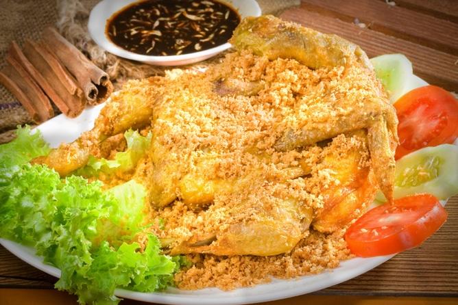 Kalasan Deep Fried Whole Chicken w/ Crispy Flour on top - Indonesian Recipe ;'D