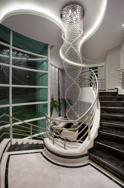 Escada Curva, Guarda Corpo, Corrimão, Inox, Mármore, Nero Marquina, Jardim, Lustre