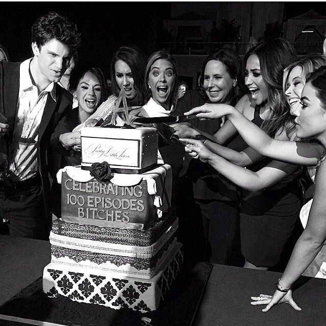 Keegan Allen, Janel Parrish, Troian Bellisario, Ashley Benson, Marlene King, Shay Mitchell, Sasha Pieterse, and Lucy Hale