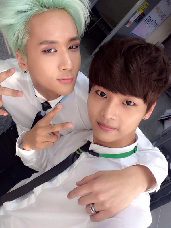 Ravi Twitter Update | Ravi sharing a picture of him and N together for N's birthday! :D