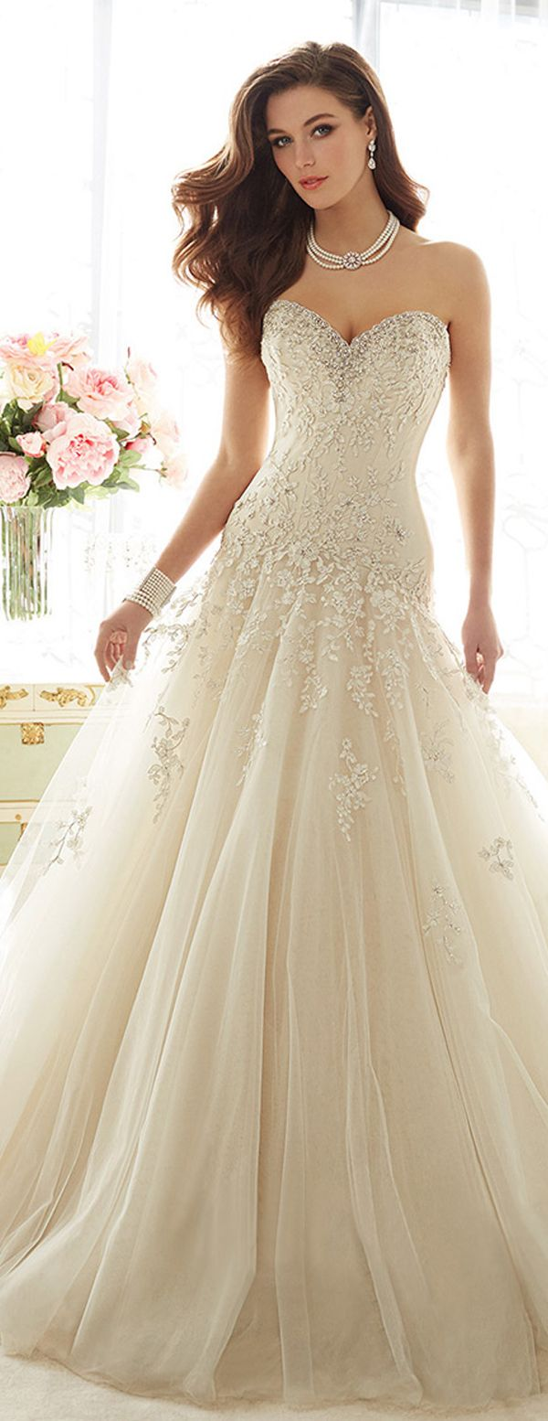 Marvelous Tulle Sweetheart Neckline A-line Wedding Dresses with Beaded Lace Appliques