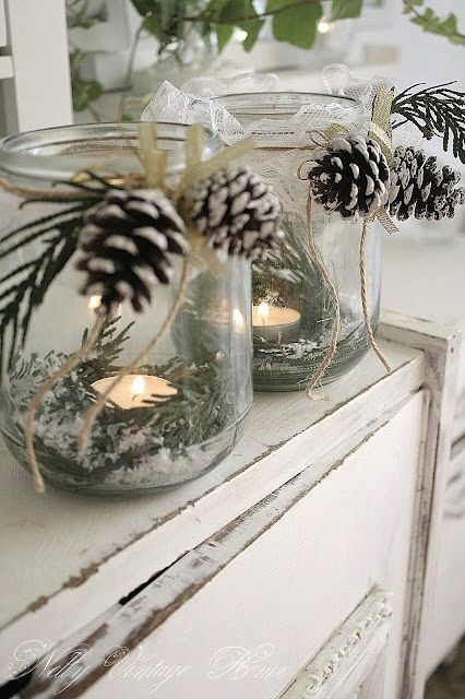 Pinecone mason jar decoration
