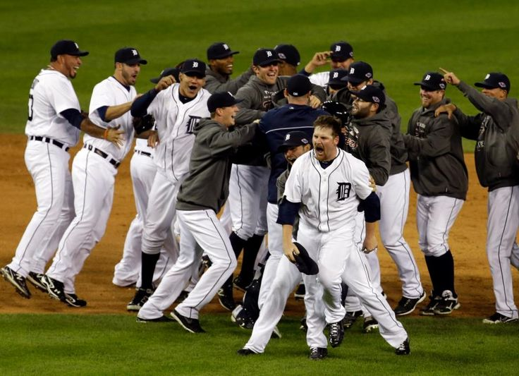 Detroit Tigers Phil Coke And Teammates Celebrate After Winning Game 4 Of The American League Championship Series Against New York Yankees Thursday