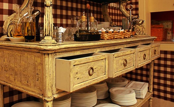 Detalle de un mueble de nuestro comedor