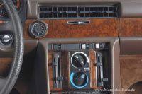 Mit der Baureihe W 116 feiert Mercedes-Benz im September 1972 eine Doppelpremiere: Zusammen mit dem Oberklasse-Fahrzeug etabliert die Stuttgarter Marke auf der