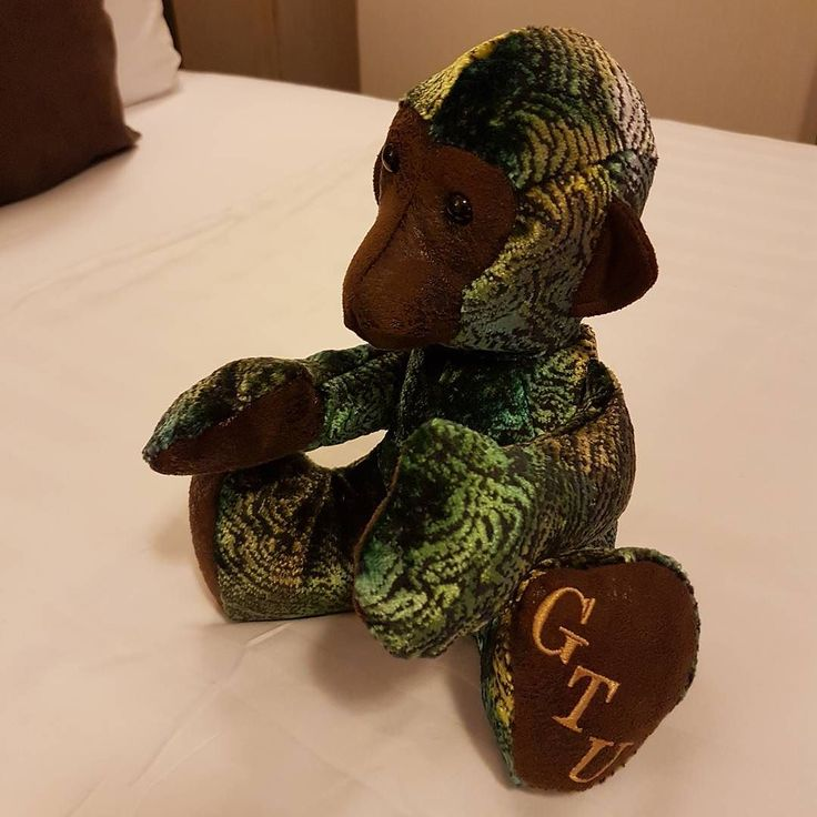 Today I attended the brilliant Guild of Traditional Upholsterer' s Study Day in Salisbury with brilliant speakers: Andrew Lawrence a coach trimmer Carol Bennett-Jane talked about William Morris Kate Gill Textile and Upholstery Conservator Steve Franklin about fabric walling and David Wheeler Head of the Royal Collection. And the wonderful @mbowden524 made me this beautiful GTU monkey. If you are a traditional upholsterer why not join them www.gtu.org.uk