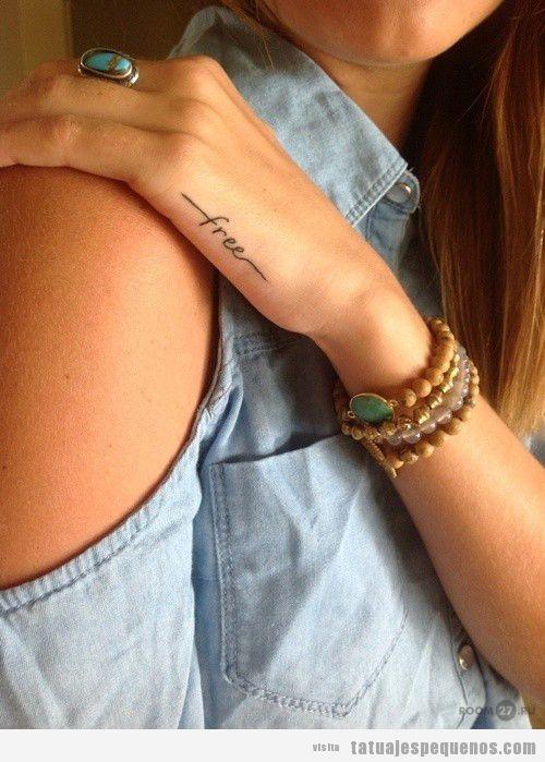 Palabra Free tatuaje en la mano para chicas o chicos