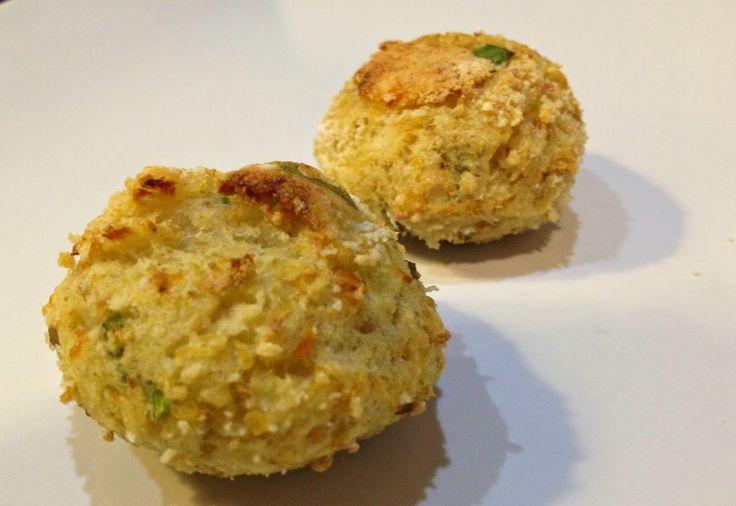 Polpettine di merluzzo e patate senza uova http://sognoepassione.blogspot.it/2015/03/polpettine-di-merluzzo-e-patate-senza.html