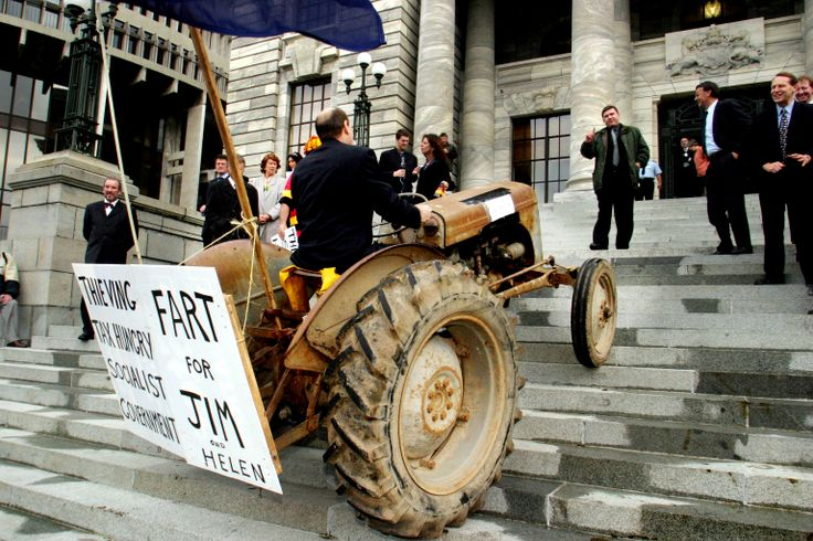 Hot Air (2014). Dir. Alister Barry and Abi King-Jones. In the years since New Zealand politicians began to grapple with climate change our greenhouse gas emissions have burgeoned. Alister Barry's doco draws on TV archives and interviews with key participants to find out why. #nziff New Zealand International Film Festival