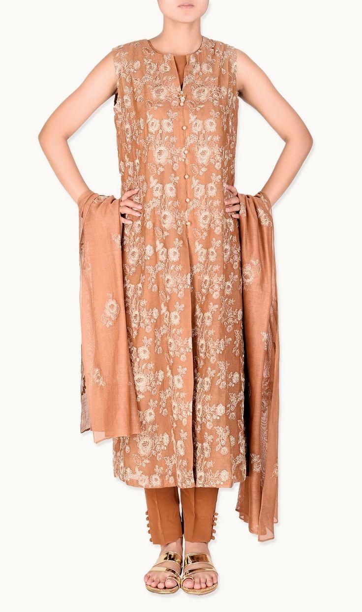 Bareeze Midsummer Clothing Chiffon Dresses  http://clothingpk.blogspot.com/2015/08/bareeze-midsummer-clothing-chiffon-dresses.html