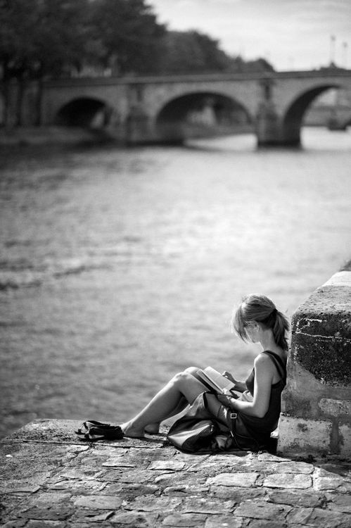 Quiet moment on banks of the Seine by Christophe Lecoq.