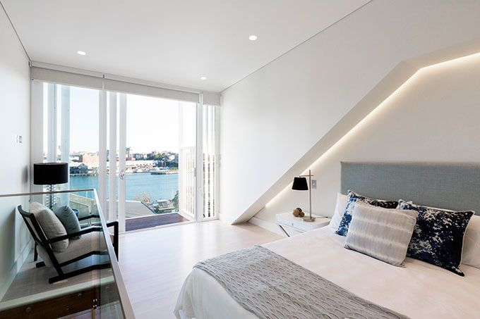 #BennAndPenna #EastBalmainHouse #Bedrooms #Light #Recessed #Doors #SlidingDoors #White #Angles