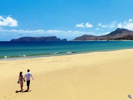 Der lange Sandstrand dürfte auch Kindern und Jugendlichen gefallen., Copyright: OLIMAR, Porto Santo, Madeira, Portugal