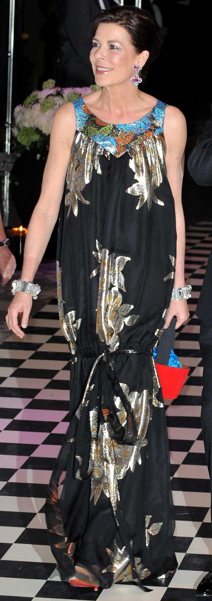 Bal de la Rose 2010, la princesse Caroline a fait confiance à un créateur africain pour sa robe de soirée.