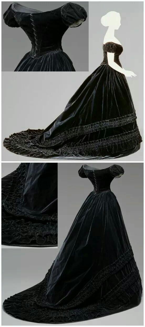 Abito in velluto e seta nera, del 1860-65 ca., appartenuto a Sissi.