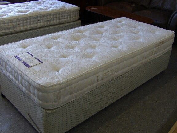 25 Best Ideas About Single Divan Beds On Pinterest Small Double Divan Beds Double Divan Bed