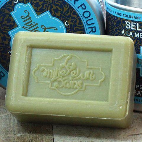 El jabón de arcilla verde es una delicia para pieles con tendencia grasa. Una textura suave para cuidar tu piel. En nuestra tienda online. Pulsa en la bio para entrar. #jabones #arcilla #cosmetica #cosmetics #belleza #beauty @savonneriemariusfabre