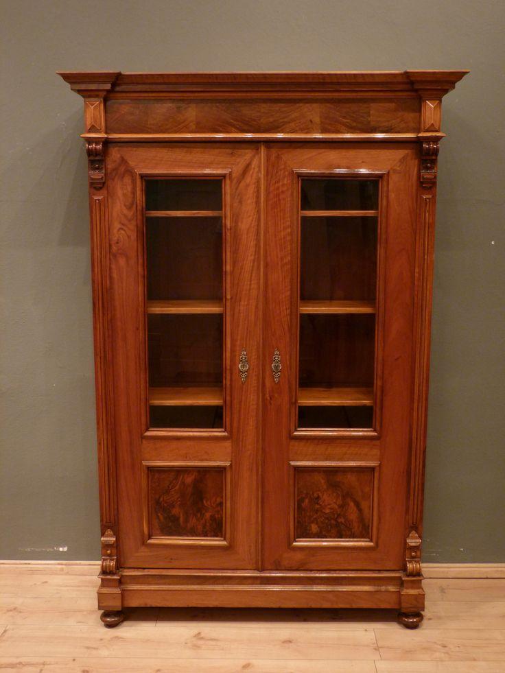 gr nderzeit b cherschrank nussbaum um 1870 antike m bel. Black Bedroom Furniture Sets. Home Design Ideas