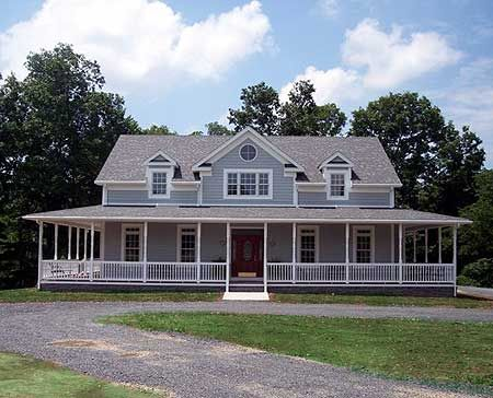 Another amazing farmhouse. I'm an old lady who likes to plan my dream home floorplan...