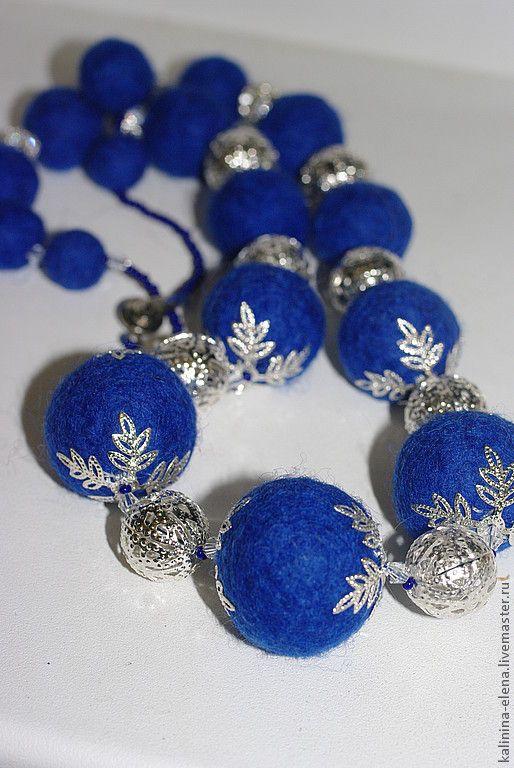 """Купить Бусы """"Синяя птица"""" - бусы, синие бусы, войлочные бусы, валяные бусы"""
