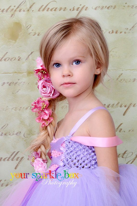 Hair..what a beautiful little girl. Would love to do this for alli