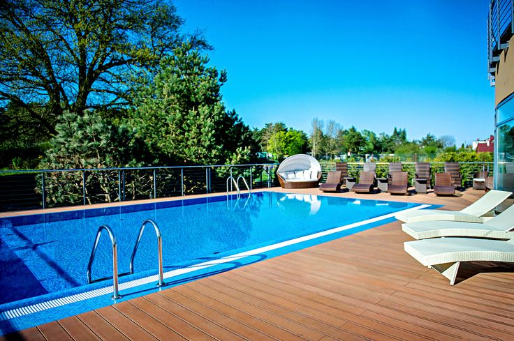 Outdoor pool #spa #hotel #relax #wellness #pool