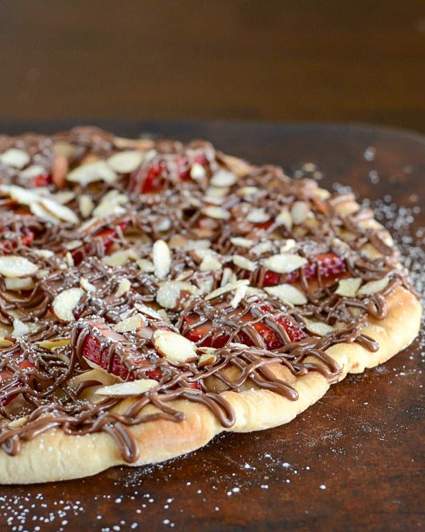 This Strawberry Nutella Pizza is an easy dessert recipe that will wow your guests! There are really so many great flavors in this treat!