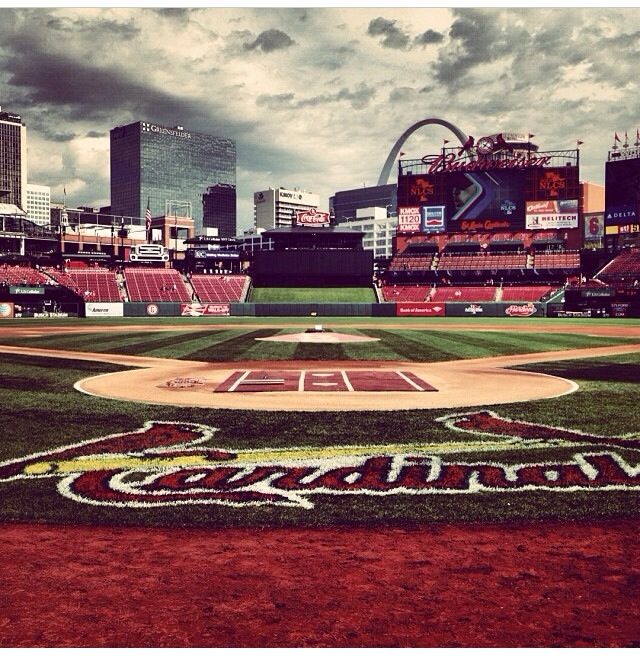I absolutely love this picture of my favorite place!! My glorious Busch Stadium!!!