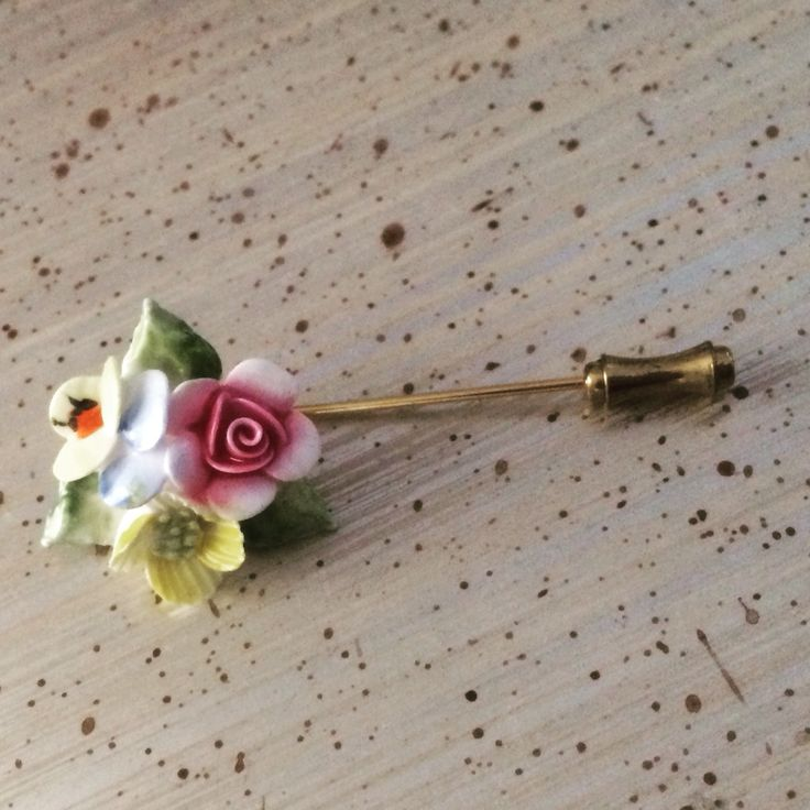 Beautiful and so sweet #vintage #porcelain posy #pin #vintageprettythings #vintageprettypins #eco #recycle #ecochic #recycledglamour #brooch #stickpin #rose #pansy #vintagepinterest
