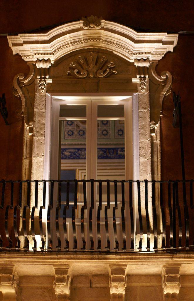 Siracusa-Ortigia, Via Pompeo Picherali, Palazzo Borgia del Casale