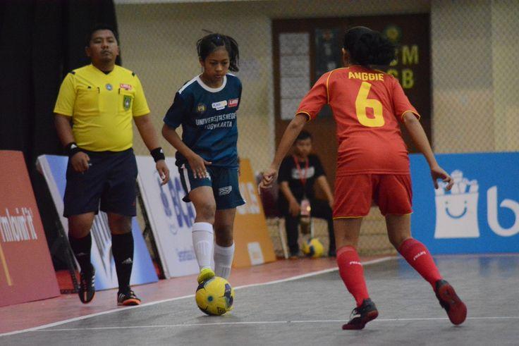 Kedua tim memastikan langkahnya ke semifinal. UNJ, sang pemuncak Klasemen Pul Y LIMA Futsal Nationals, akan berhadapan dengan runner-up Pul X